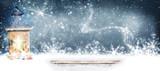 Laterne im Schnee mit Bokeh - 179827447