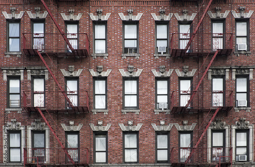 Old apartment building Manhattan, New York City - 179871288