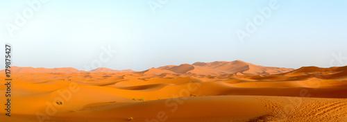 Aluminium Marokko Merzouga sand dunes in evening sun, Morocco