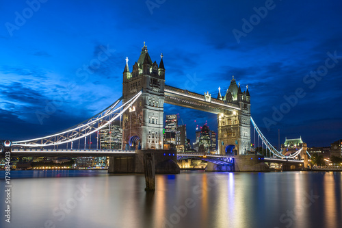 Foto op Plexiglas London Famous Tower Bridge in the evening with blue sky and reflex on water, London, England