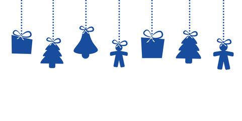 geschenke hängen an weihnachten blau