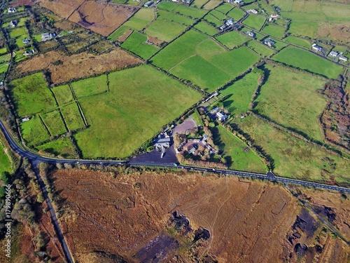 Foto op Plexiglas Cappuccino Irland aus der Luft