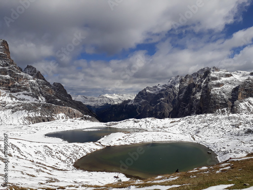 Foto op Plexiglas Bergen Laghi del Piani im Naturpark Drei Zinnen
