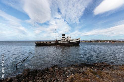 Foto op Canvas Schip Shipwreck in Ushuaia habor, Argentina