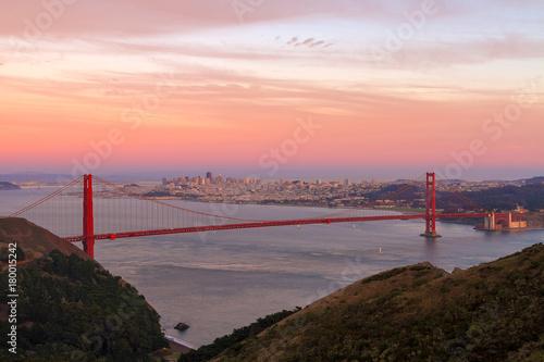 Plexiglas San Francisco Sunset Over Golden Gate Bridge and San Francisco city Skyline in California USA