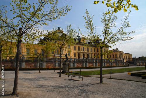 Staande foto Stockholm Bench and trees in front of Drottningholm Palace, Stockholm