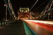Most Tower Bridge w Londynie, nocą, długi czas naświetlania