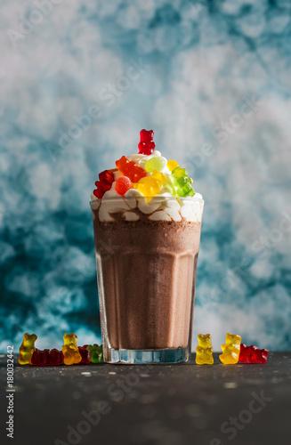 Foto op Aluminium Milkshake Gummy Candies and Chocolate Milkshake