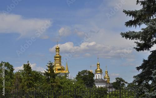 Foto op Plexiglas Kiev beautiful dome on the sky background