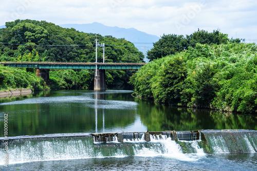 Fotobehang Spoorlijn 東海道本線と黄瀬川