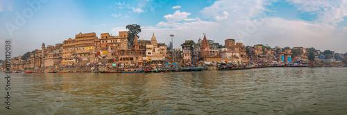 Foto Murales Varanasi city Ganges river ghat panoramic view.