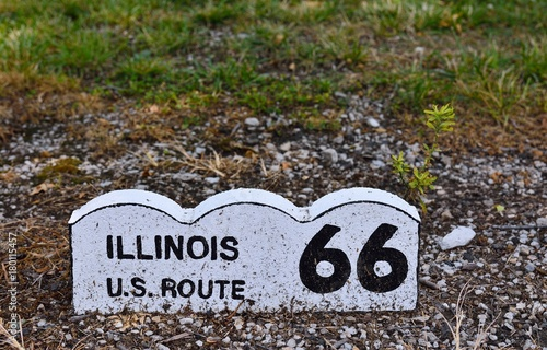 Fotobehang Route 66 Historic Route 66 sign in Illinois.