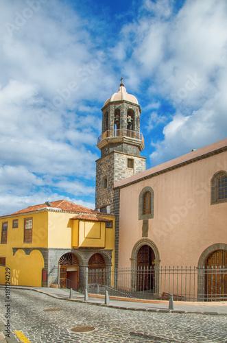 Deurstickers Canarische Eilanden Church of Santo Domingo and Former Convent of San Benito Abad in La Orotava, Tenerife, Spain