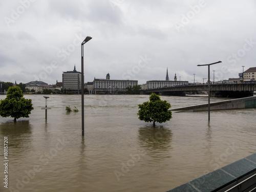 Foto op Plexiglas Rivier flood 2013, linz, austria