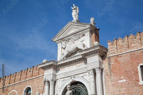 Keuken foto achterwand Schip Eingangsportal des Arsenals in Venedig