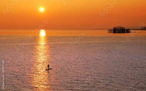 Papiers peints Orange eclat Paddle boarding in Brighton