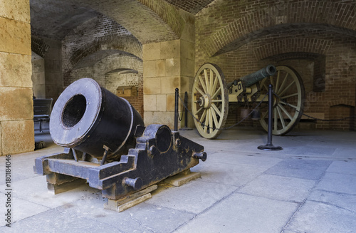 Keuken foto achterwand Schip Two old Cannons show in the Fort Point National Park