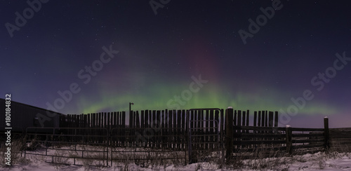 Fotobehang Aubergine Rural aurora borealis