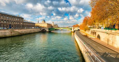Seine river and buildings in winter - Paris