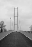 Fototapeta Fototapety mosty linowy / wiszący - Most w tonacji czarno białej © Senatorek