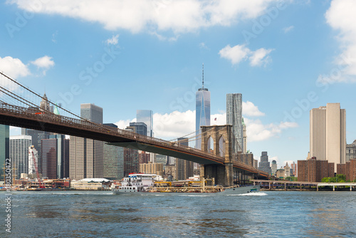 Plexiglas Brooklyn Bridge Brooklyn Bridge view and Manhattan skyline