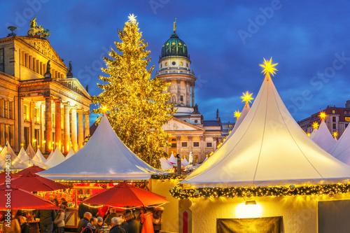 Aluminium Berlijn Christmas market, French church and konzerthaus in Berlin, Germany