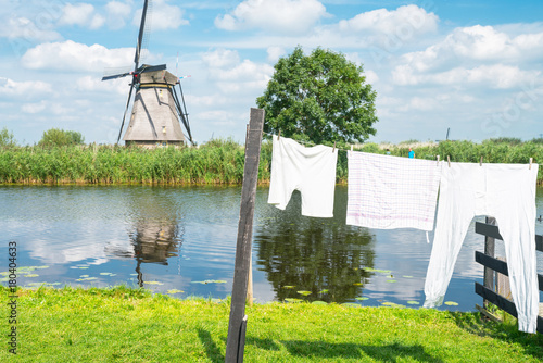 Foto op Plexiglas Rotterdam Scenic Kinderdijk area of ponds, fields and windmills.