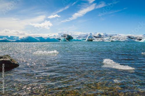 jokulsarlon lake iceland view of icebergs