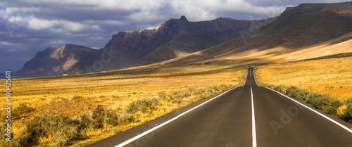 Fotobehang Freesurf Exploring Lanzarote .impressive landscapes of volcanic island.