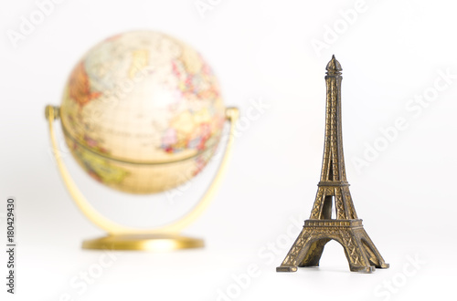 Deurstickers Eiffeltoren Eiffel tower with vintage world for vintage travel concept