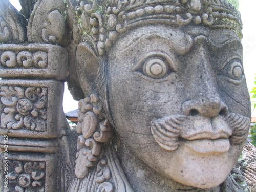 Deurstickers Bali Bali. Templo hindu con estatuas balinesas