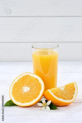 Fototapeta Orangensaft Orangen Saft Orange Fruchtsaft Hochformat Textfreiraum Frucht Früchte