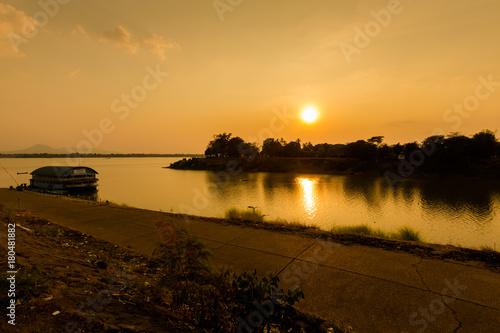 Keuken foto achterwand Schip Pakse city in south Laos