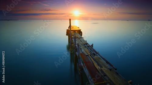 Fotobehang Zee zonsondergang Morning Sun