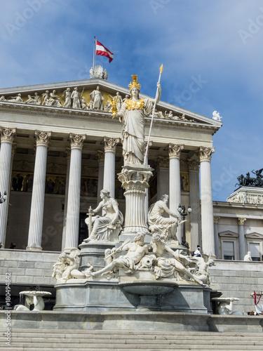 Papiers peints Statue austria, vienna, parliament
