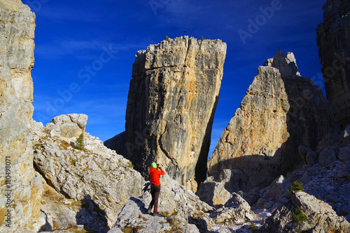 Canvas Donkerblauw Cinque Torri in the Dolomityes, Italy, Europe
