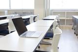 会議室のパソコン - 180523640