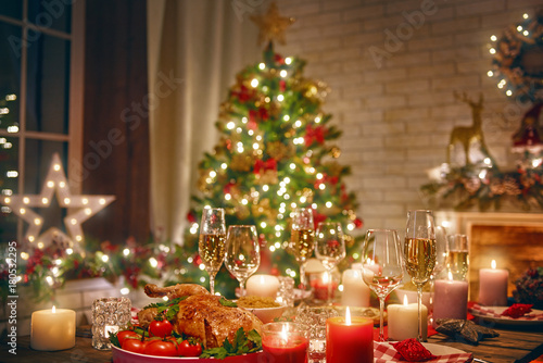 room decorated for Christmas - 180532295