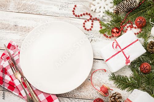 Christmas table setting - 180540085