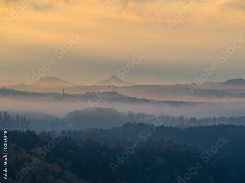 Foto op Plexiglas Ochtendgloren Sächsische Schweiz am Morgen