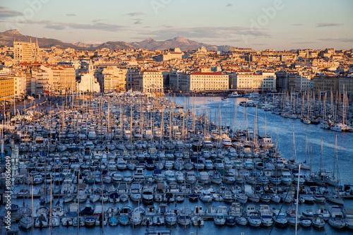 Fotobehang Schip Marseille vieux port