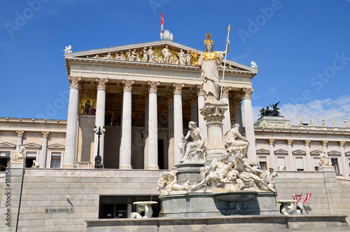 Foto op Plexiglas Wenen Parlament in Wien