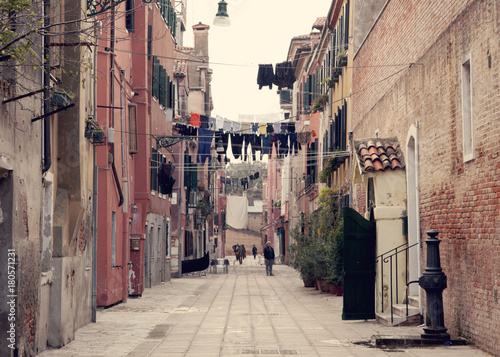 Fotobehang Smalle straatjes Venezia-Italy