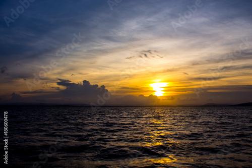 Foto op Canvas Zee zonsondergang Sea view sunset in Thailand