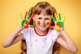 funny little girl - 180639875