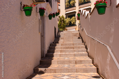 Tuinposter Smal steegje Street. Beautiful Spanish street. Costa del Sol, Andalusia, Spain.