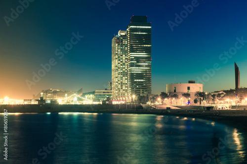 Aluminium Barcelona Barceloneta beach with skyscrapers in night