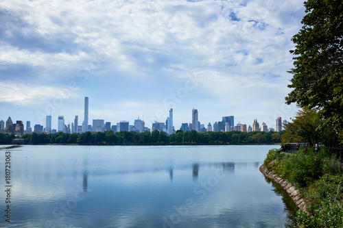 Foto op Plexiglas New York New York skyline and reflection on Jackie Onassis reservoir in Central Park, Manhattan, New York