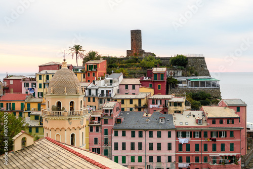 Fotobehang Liguria beautiful town of vernazza, italy