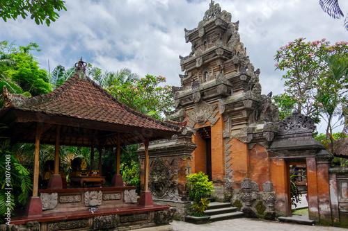 Papiers peints Bali Puri Saren Agung (Ubud Palace). Temple in Bali, Indonesia